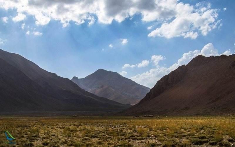 کوه های دشت لار